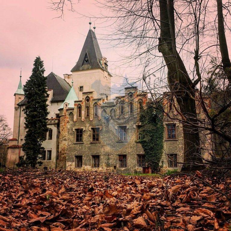 Zámek Líšno podzim